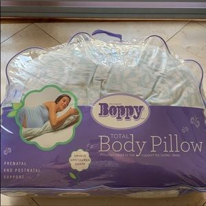 Boppy total body pregnancy pillow
